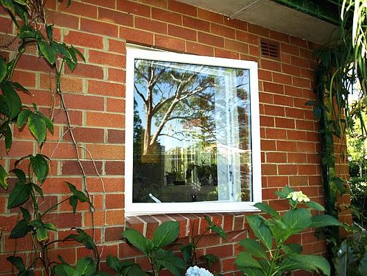 окно с открыванием наружу